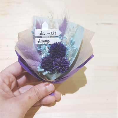 Floral Capsule - Mini Dried Flower Bouquet Display