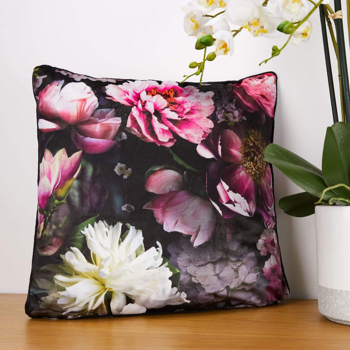Arthouse Momoka Velvet Cushion Arthouse Momoka Velvet Cushion