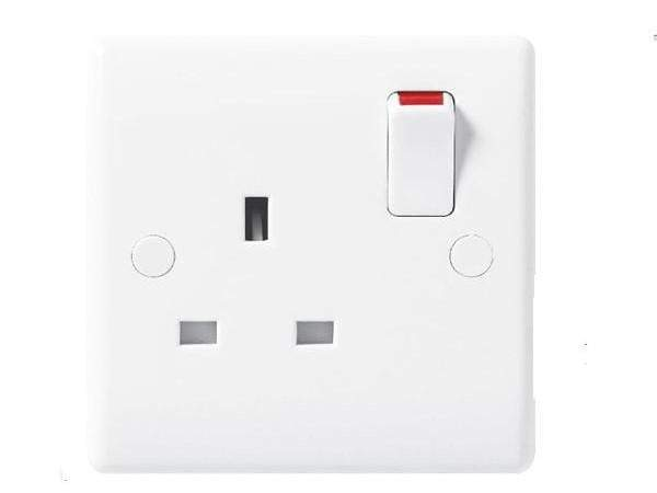 Nexus Moulded White Single Switched Socket