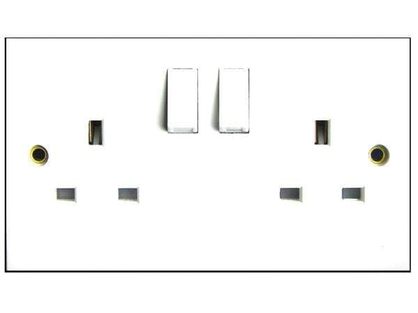 Sparkpak 12A Twin Switch Socket