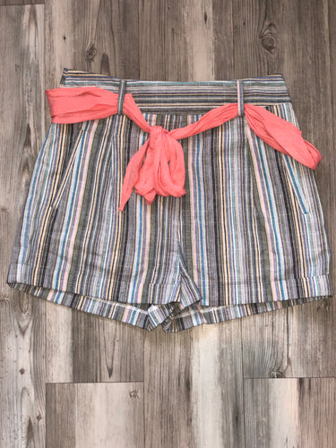 Multi color shorts with belt