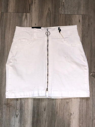 White denim zip skirt
