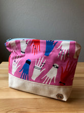 Load image into Gallery viewer, Hand Pattern Zipper Bag