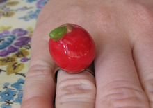 Load image into Gallery viewer, Little Apple Ring