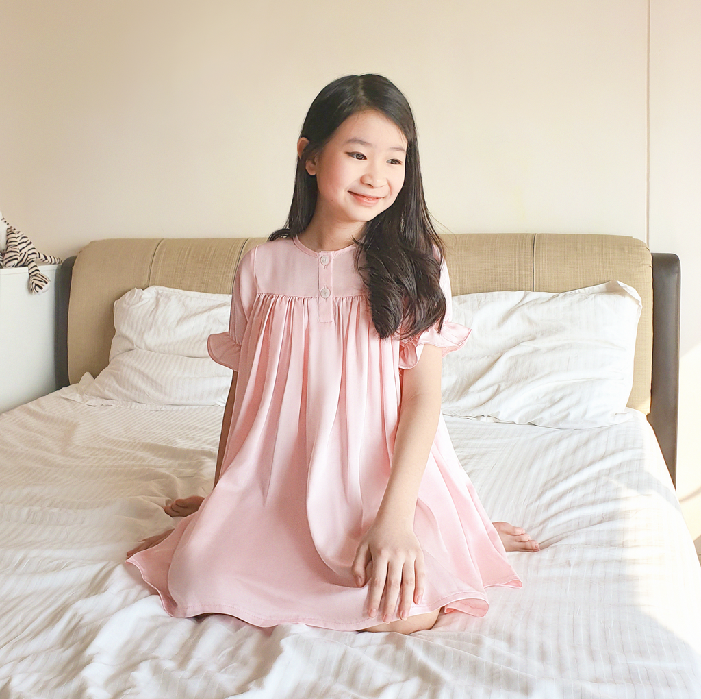 Belvoire Dress in Pink