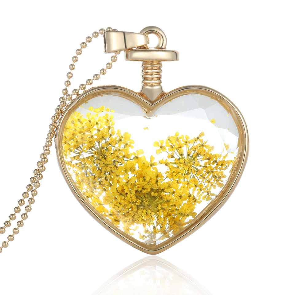 Beautiful Dried Flower Heart Necklace