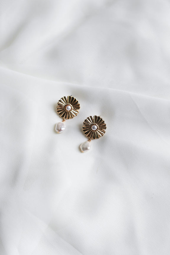 Maisie Freshwater Pearl Earrings