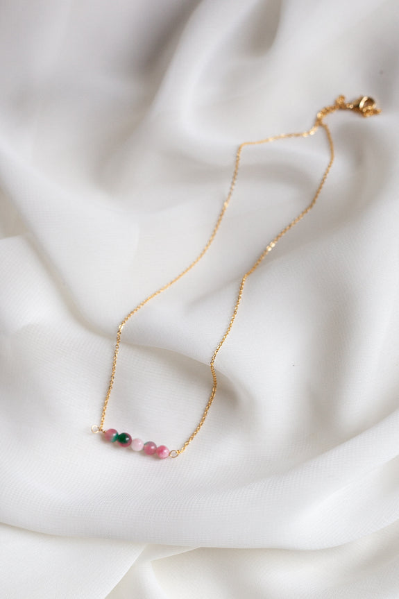 Dainty Beaded Necklace 01