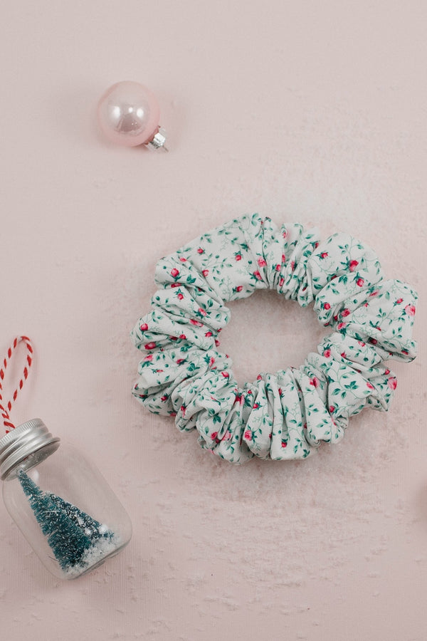 Scrunchies - Christmas Roses