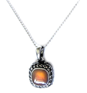 square mood pendant turning orange color