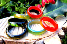 Load image into Gallery viewer, agate band mood rings in green, red and black