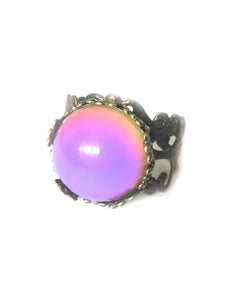 bronzed mood ring with adjustable band turning a pink mood color by best mood rings