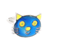 Load image into Gallery viewer, child cat face mood ring that also glows in the dark
