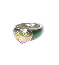 Load image into Gallery viewer, a celtic mood ring with a heart design turning a green pink mood meaning