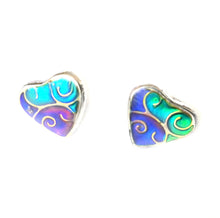 Load image into Gallery viewer, chameleon style mood earrings in a heart pattern