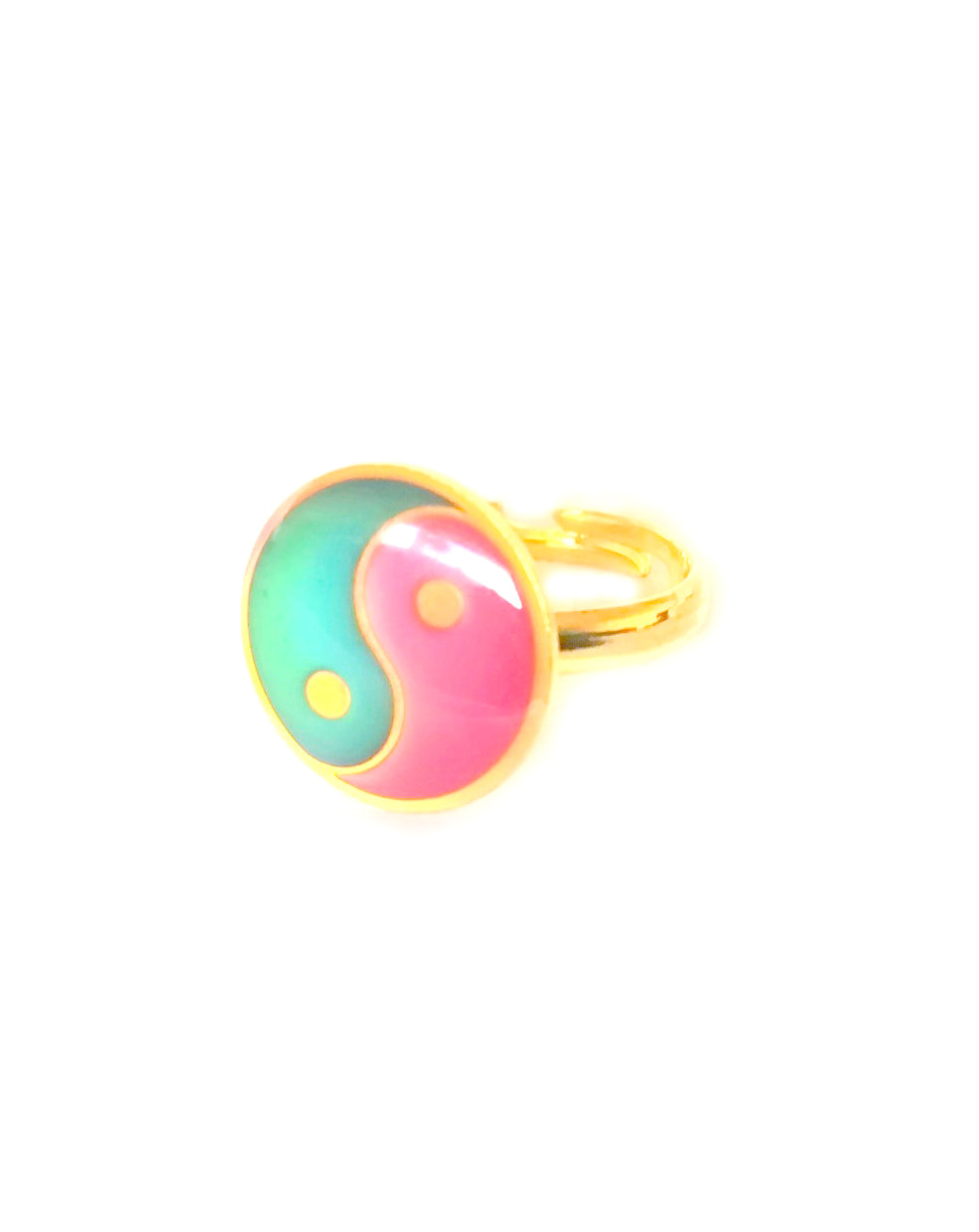 a child sized yin yang mood ring with a golden band by best mood rings