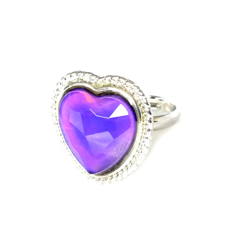 a heart mood ring with a purple mood color