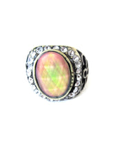Load image into Gallery viewer, a mood ring with pretty stones around the mood stone