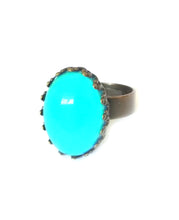 Load image into Gallery viewer, mood ring with oval mood design showing turquoise mood color by best mood rings