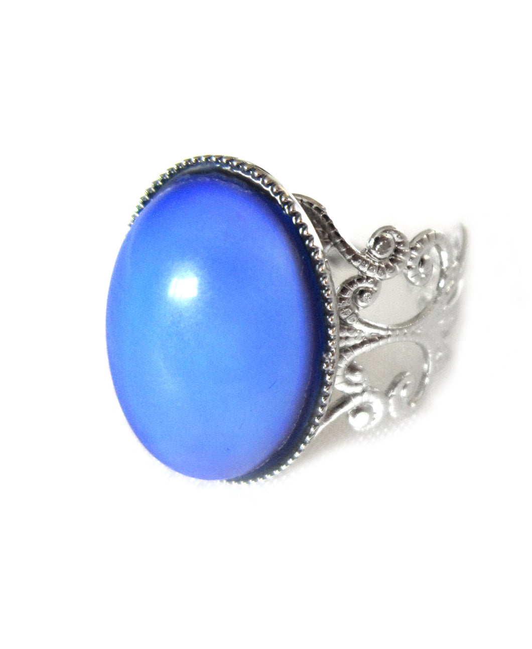 mood ring with silver band turning a blue color