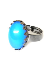 Load image into Gallery viewer, a mood ring with gunmetal adjustable band showing a blue color meaning