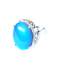 Load image into Gallery viewer, oval mood ring with blue color meaning by best mood rings