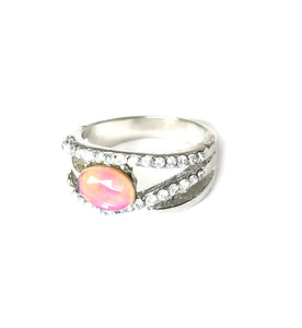 beautiful band mood ring with an oval stone and stones