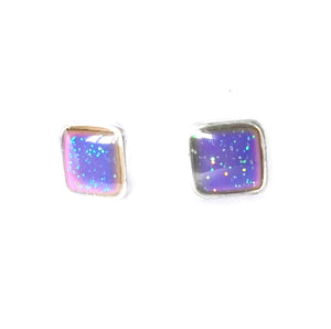 mood earrings with a square design and glitter