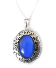 Load image into Gallery viewer, sterling silver mood pendant locket turning a blue color