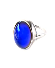 Load image into Gallery viewer, a sterling silver mood ring by best mood rings hallmarked