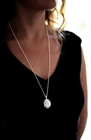 Plain Silver Medium Locket Pendant