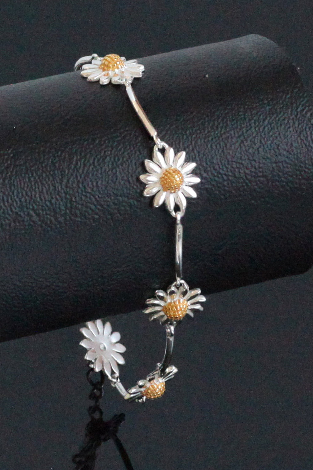 Polished Daisy Chain Silver Bracelet
