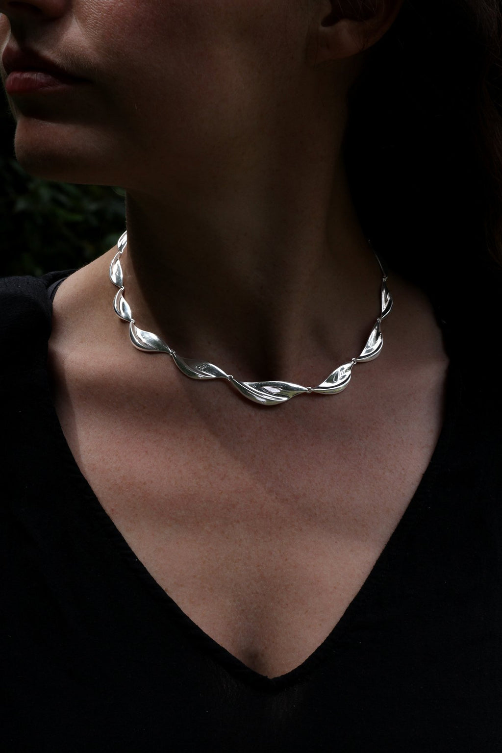 Polished Twist Link Silver Necklet