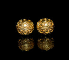 Load image into Gallery viewer, Two 15mm Gold Vermeil Bali Granulation Beads