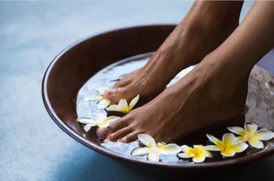Hand + Foot Massage (60-90 minutes)