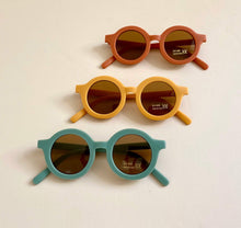 Load image into Gallery viewer, SUSTAINABLE SUNNIES | Golden