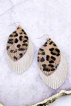 Load image into Gallery viewer, Fringed Gold and Leather earrings