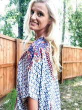 Load image into Gallery viewer, Laura Blue Kimono