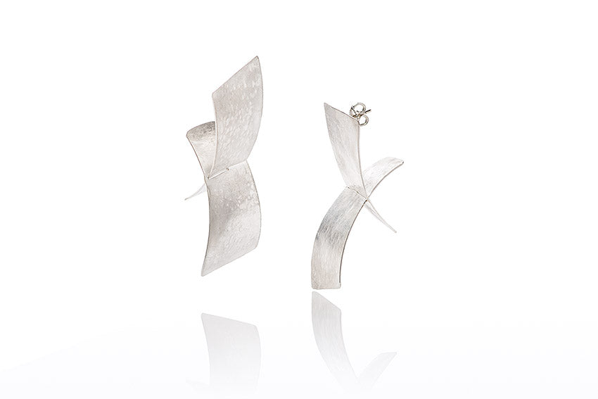 Fly Earrings Movable