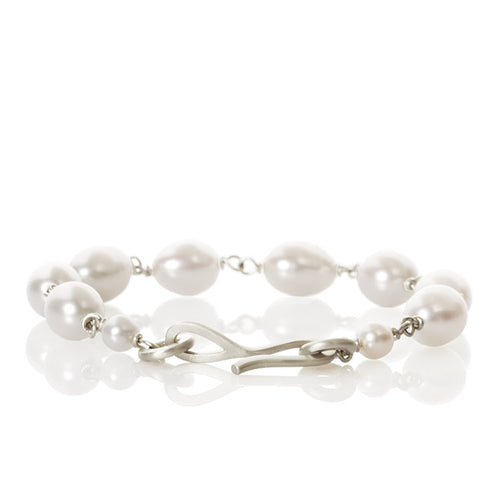 Anello Pearl bracelet. Small with 1 range of freshwater beads.