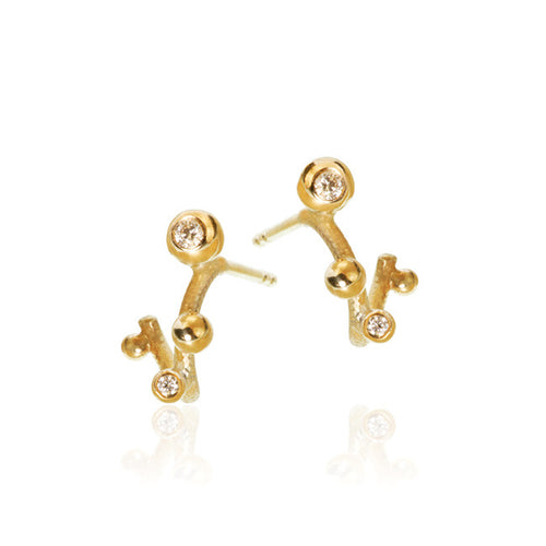 Delphis earrings with 4 brilliant cut diamonds. Total 0,05 ct. F/G, vs, Ex. cut.