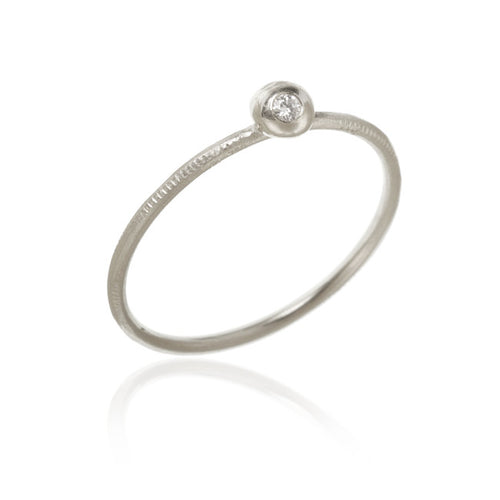 Delphis ring med 1 brillant