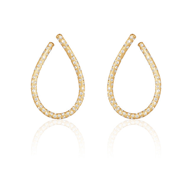 Kharisma Supernova earrings. Medium with 334 brilliant cut full-set diamonds