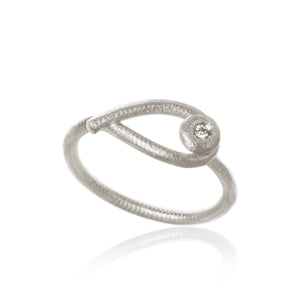 Kharisma ring med 1 brillant. I alt 0,02 ct. F/G, vs, Ex. cut.