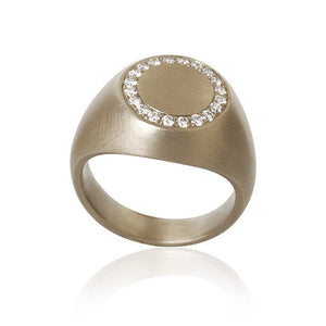 Mignolo ring med 20 brillanter. I alt 0,18 ct. F/G, vs, Ex. cut.