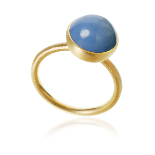 Pacific ring. Large top with blue opal.