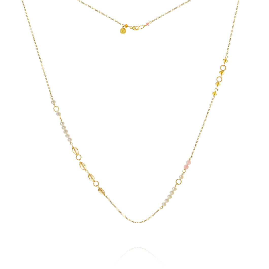 Piccolo Mellow necklace with sapphire peach, freshwater pearls, cetrin and guava quartz, 62 cm.