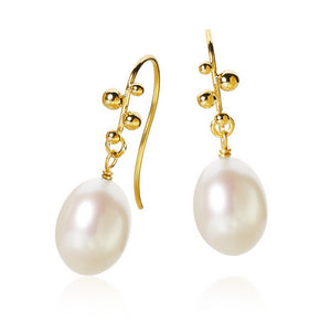 Delphis Pearl earrings with freshwater pearls. Gold 18 K. Dulong Fine Jewelry