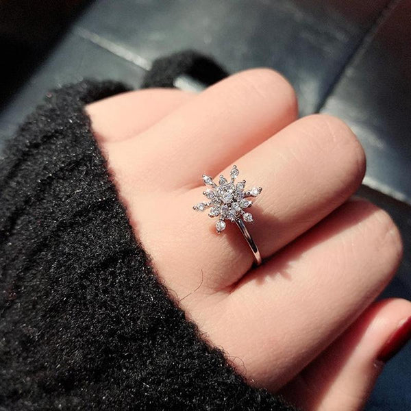 Rotating Snowflake Ring