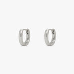 Small hoops in an oval shape. [pair] color:silver